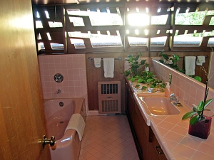 gordonhousebathroom1